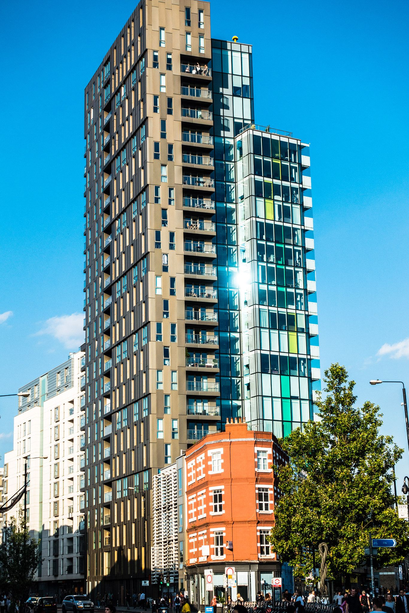 Shoreditch England: Apartment Block In Shoreditch, London