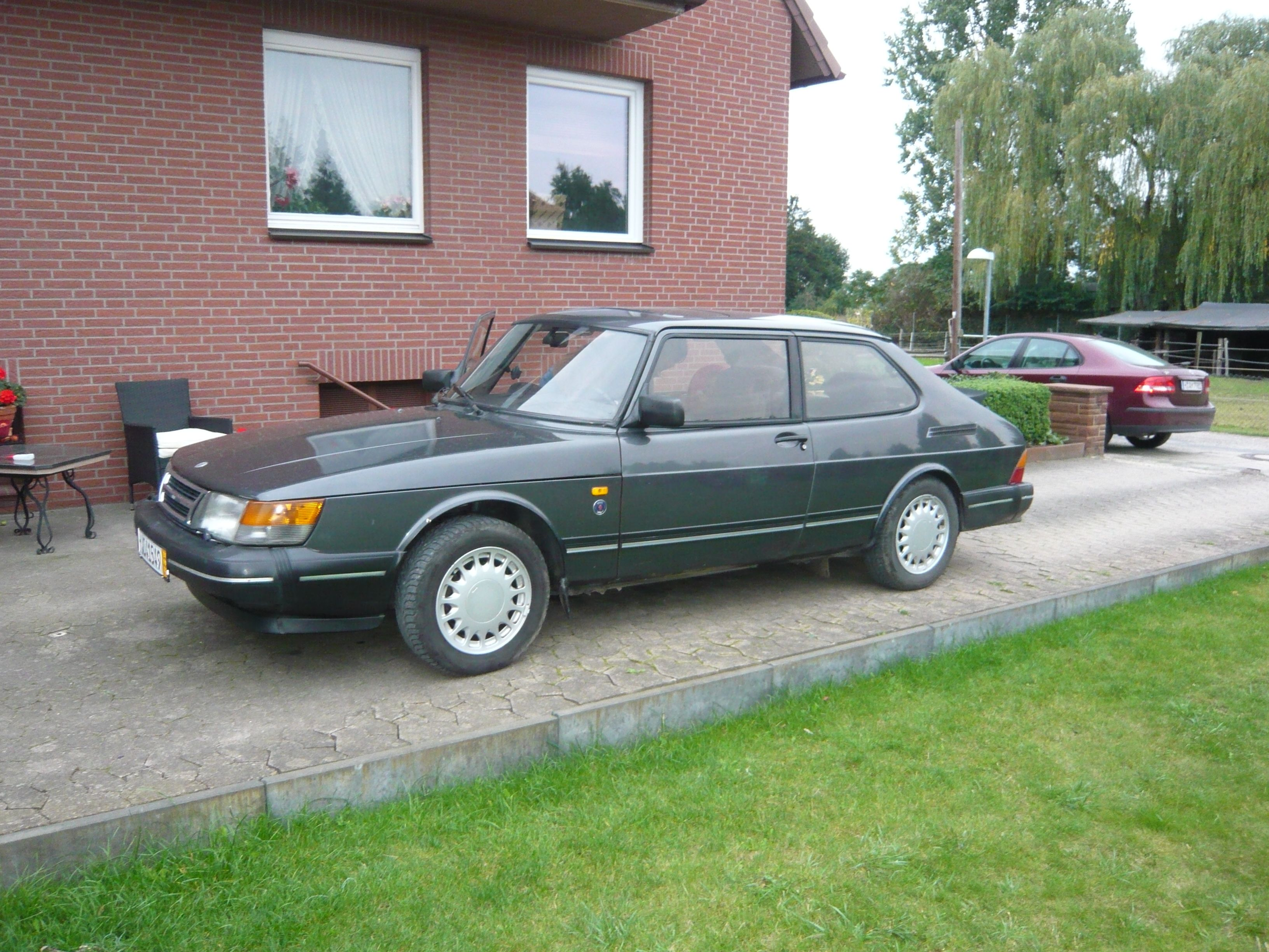 Foreground #SAAB 900-I and Background #SAAB 93-II #Anniversary 2.2 TiD with #Hirsch