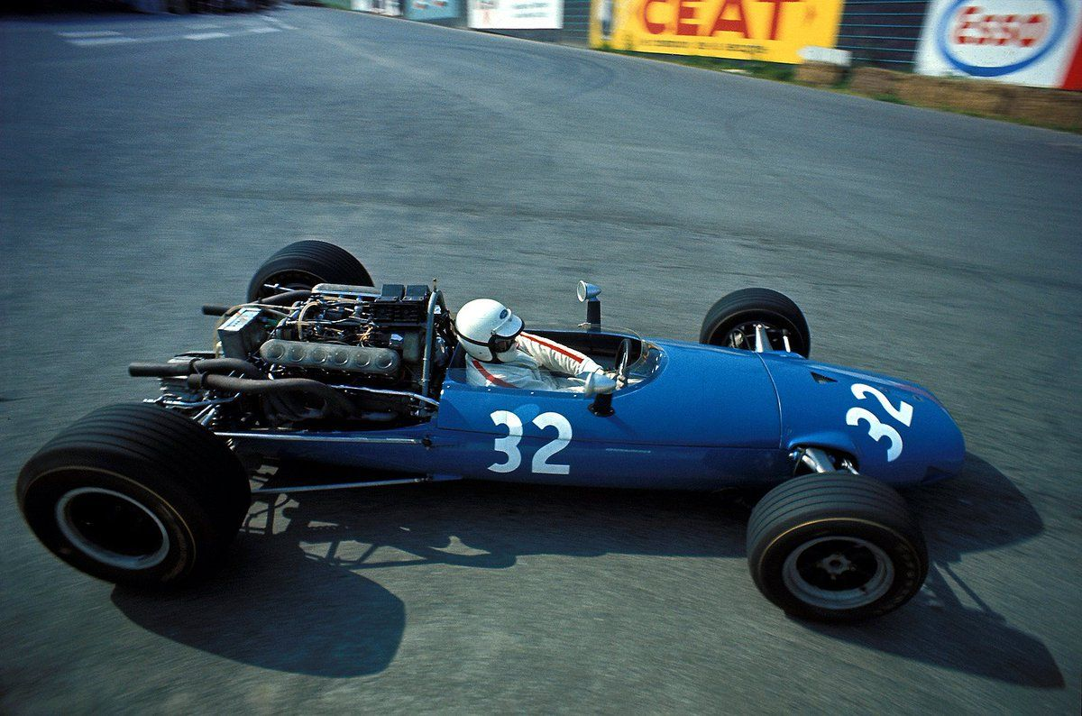 Future f1 team owner guy ligier in his own cooper maserati t81 finished