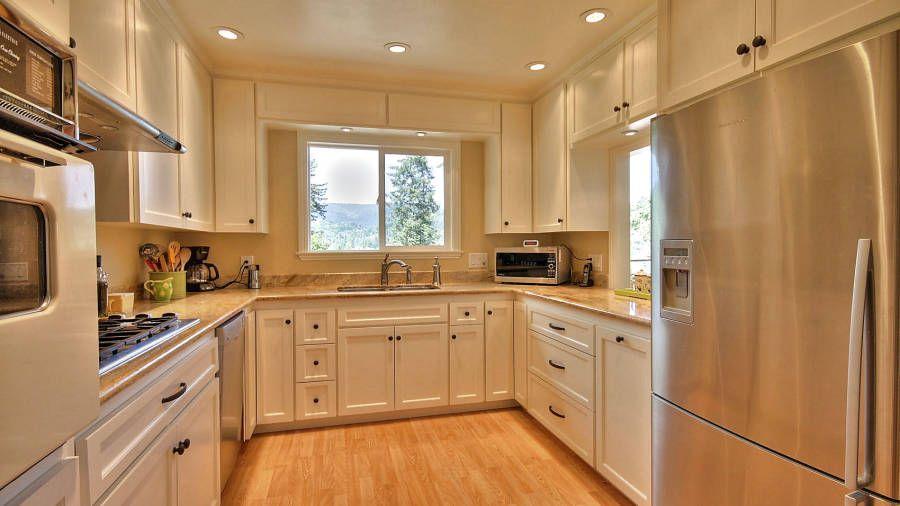 Interior kitchen design by Carolyn Bredsteen and Design Works 2.  More info here:  http://santacruzconstructionguild.us/design-works-ii/