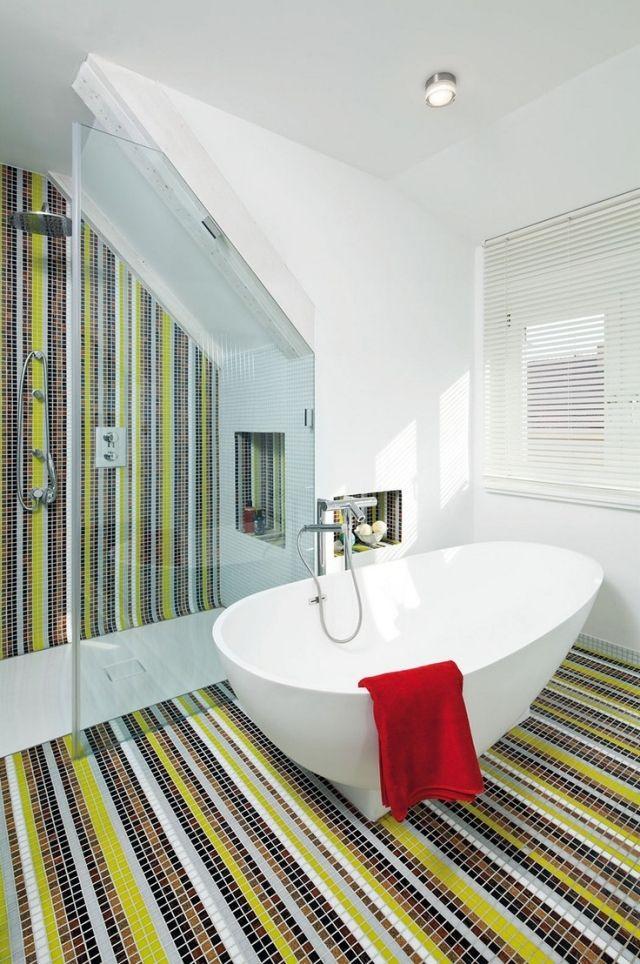 bad mosaik fliesen gestalten streifen boden wand glas abtrennung - dusche strukturwand