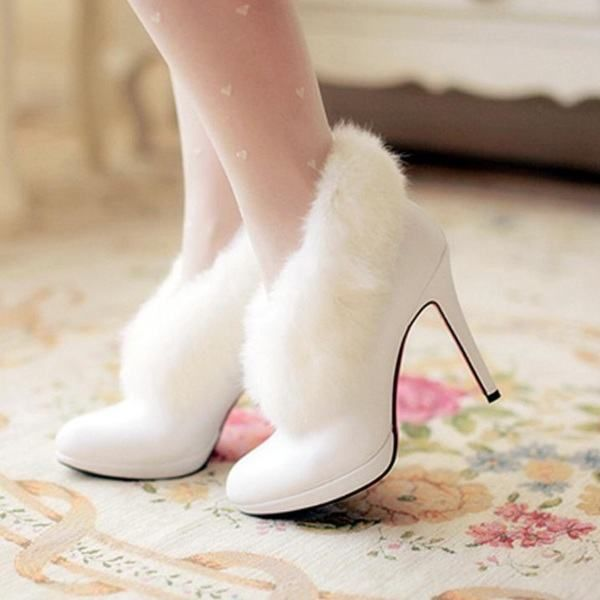 10 Winter Wedding Shoe   Boot Ideas  d30553777b99