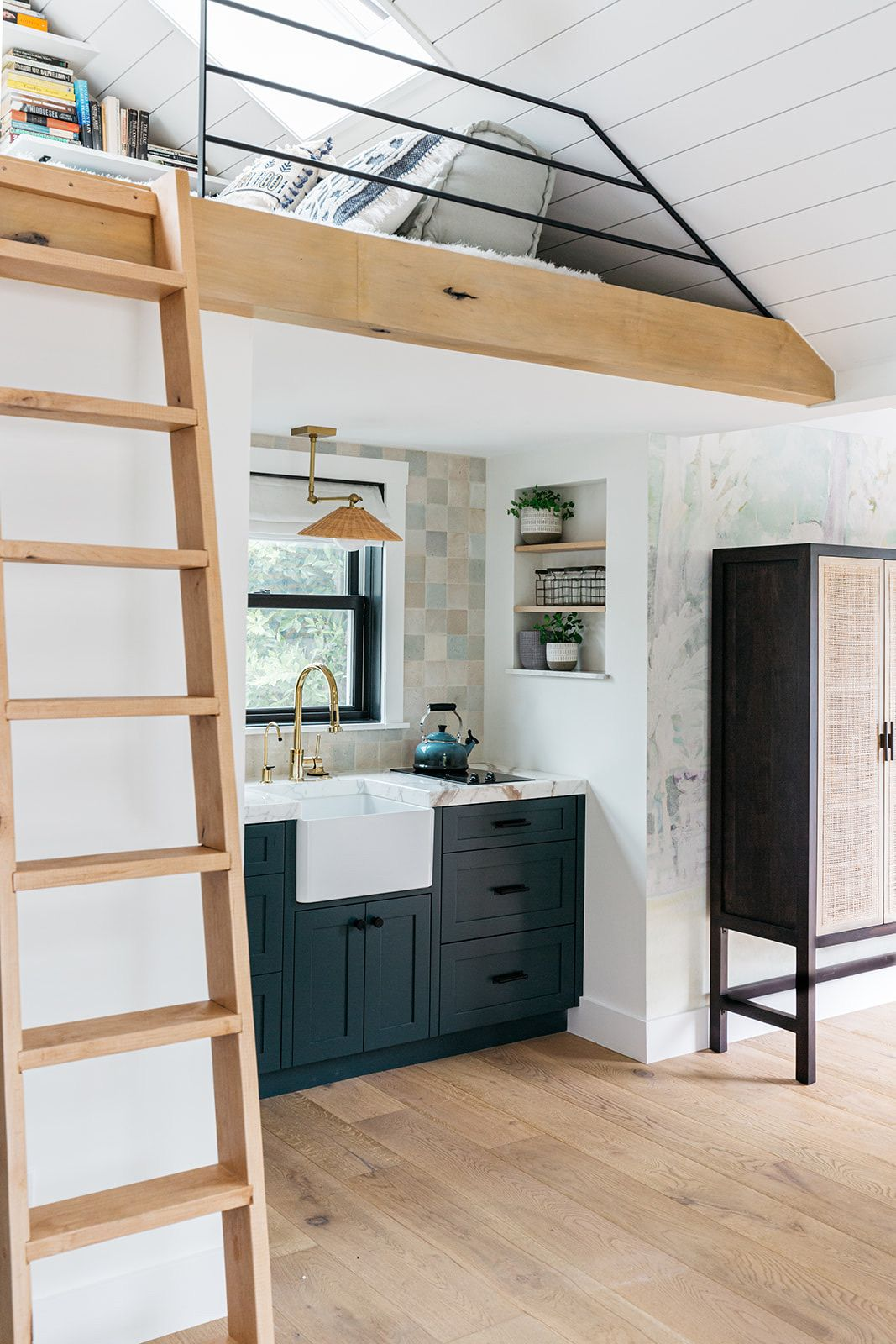 An Over The Garage Retreat In Santa Monica Ca Rue In 2020 Small Space Design Bars For Home House