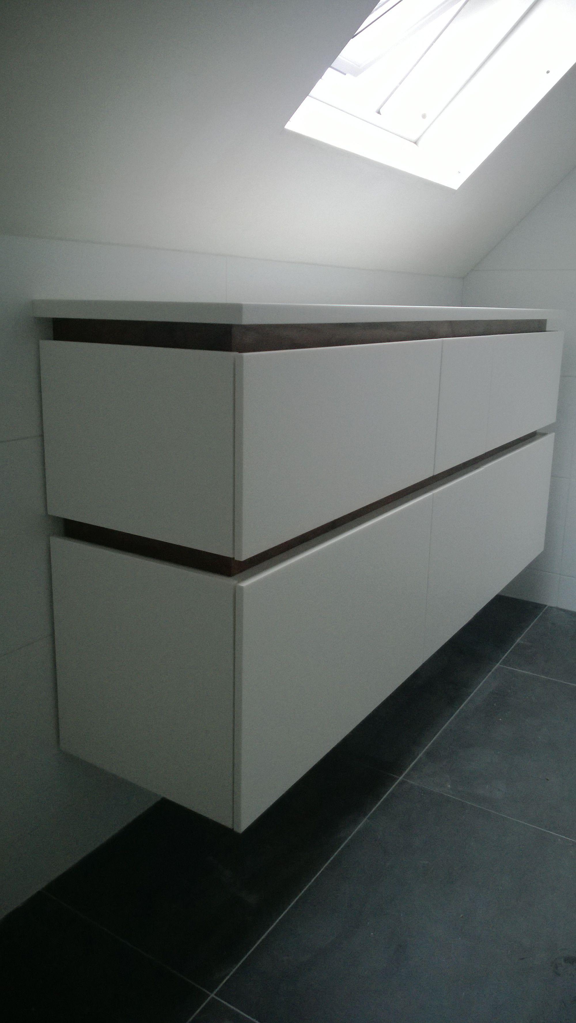 droog meubel kleiner uitgevoerd voor onder het klapraam