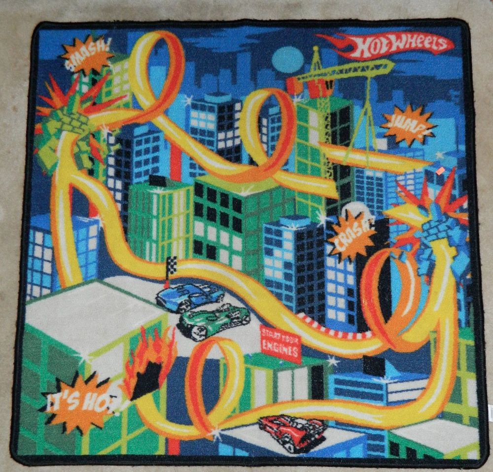 "HOT WHEELS ""Stunt City"" RUG Play Mat RACE TRACK 40x40"