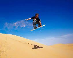http://www.deaventura.pe/sandboard  Aventuras de Sandboard en Perú, lugares para practicarlo, eventos, organizaciones.