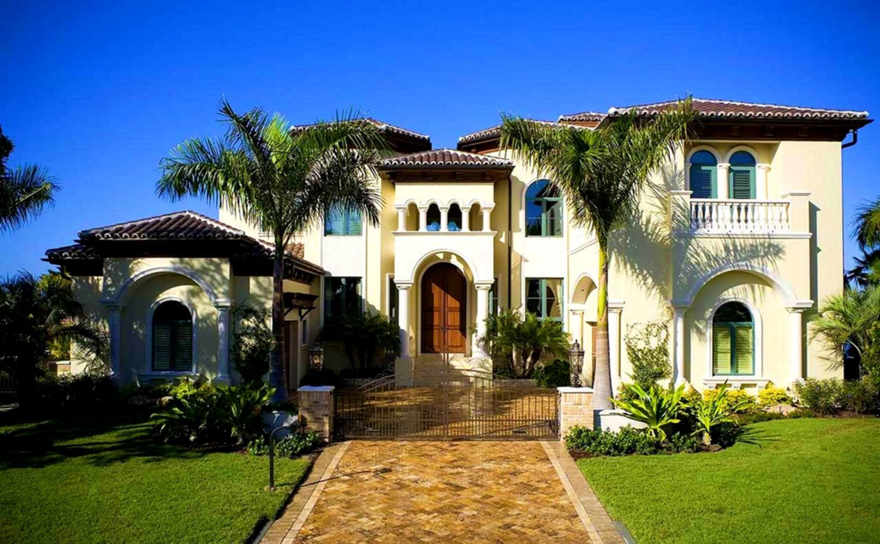 25 Top And Amazing House Styles That Will Inspire You In 2020 Mediterranean Style House Plans Mediterranean Revival Architecture