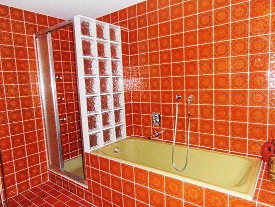 70 S Bathroom 2 Jpg 550 413 Retro Bathrooms Mid Century Modern Bathroom Vintage Bathroom