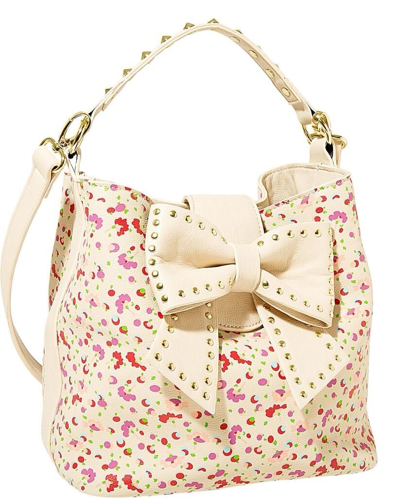 I LOVE  this creamy colorful BOW bag! This 1 has such a colorful spirit! Xox http://www.betseyjohnson.com/Item.aspx?id=104486&np=958_983&omid=affiliate&utm_medium=affiliate&utm_campaign=2014&utm_source=linkshare&srd=1 … pic.twitter.com/luu98FbD6S