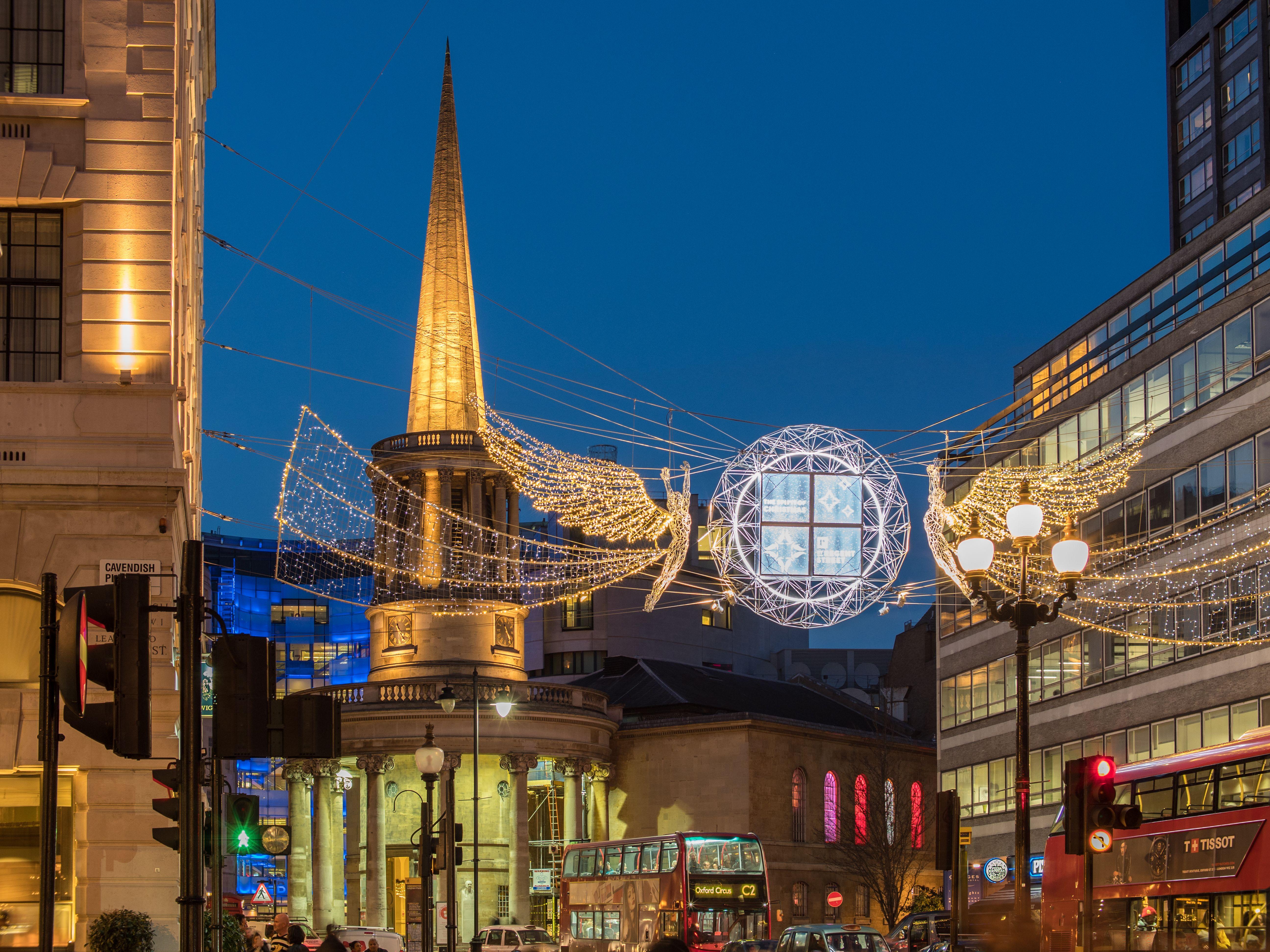 #ロンドン #クリスマス #クリスマスツリー  #海外のクリスマス #ヨーロッパのクリスマス #イギリス #ロンドン旅行 #イルミネーション #ヨーロッパ旅行 #イギリス留学 #ロンドンバス #ロンドン観光 #クリスマスマーケット #london #picadillycircus #ヨーロッパ大好き #トラベルフォトグラファー #christmas #regentstreet #londonbus #illumination #travelphotography #ヨーロッパ生活