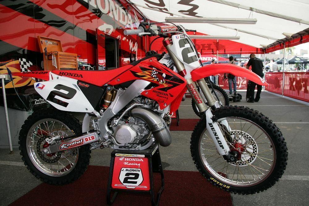 2003 McGrath Replica - now 2002 RC replica - Old School Moto