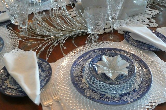 Frenchflair Traditional Dining Room Tableware And Dish Display