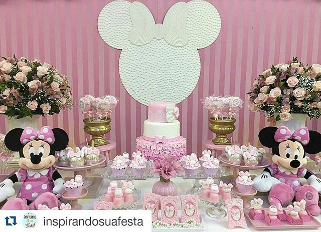 Amei... encontrei no IG @inspirandosuafesta ・・・ Linda decoração de @brunatilli - Muito amor por essa ratinha fofa!!! Minnie rosa #brunatillifestas #festaspersonalizadas #minniemouse #minnierosa #disney #Regrann #inspiracao #inspirandosuafesta #encontrandoideias #minnieparty #minnierosa #boatarde #boatardee #festascriativas #festamenina #girl #girls #inspiracao #instagram inspiresuafesta
