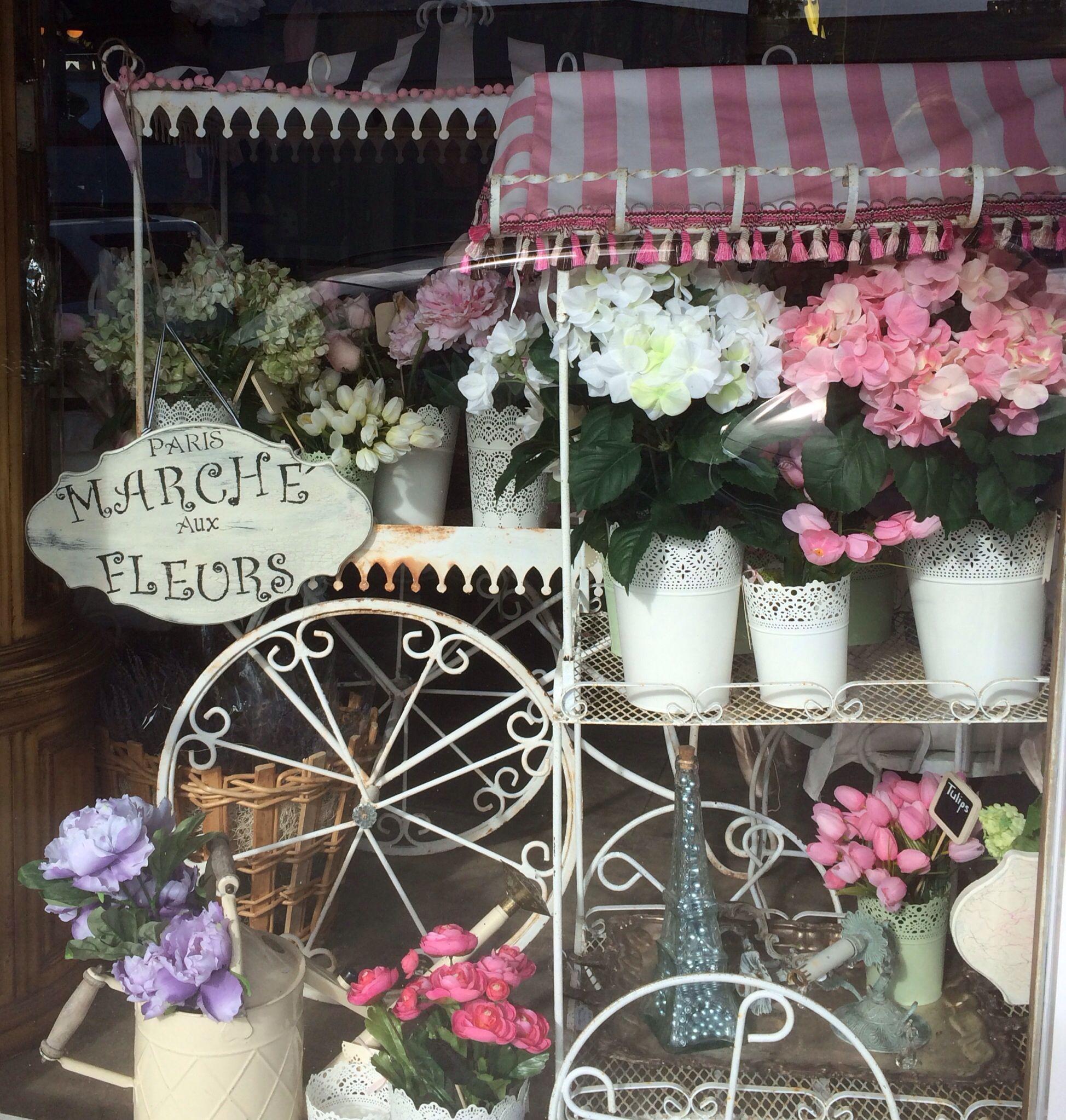 "Flower carts by ""My Little French Venue"" Liz Sandor found"
