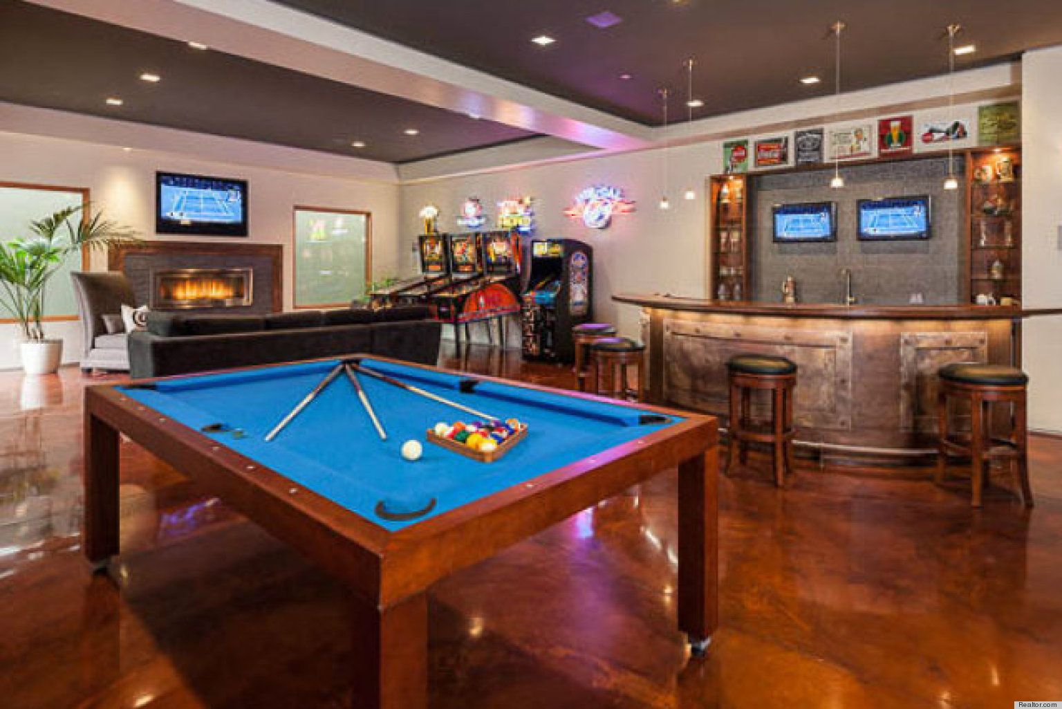 Photos 10 Homes That Have Their Very Own Bars Bars For Home Game Room Man Cave Home Bar