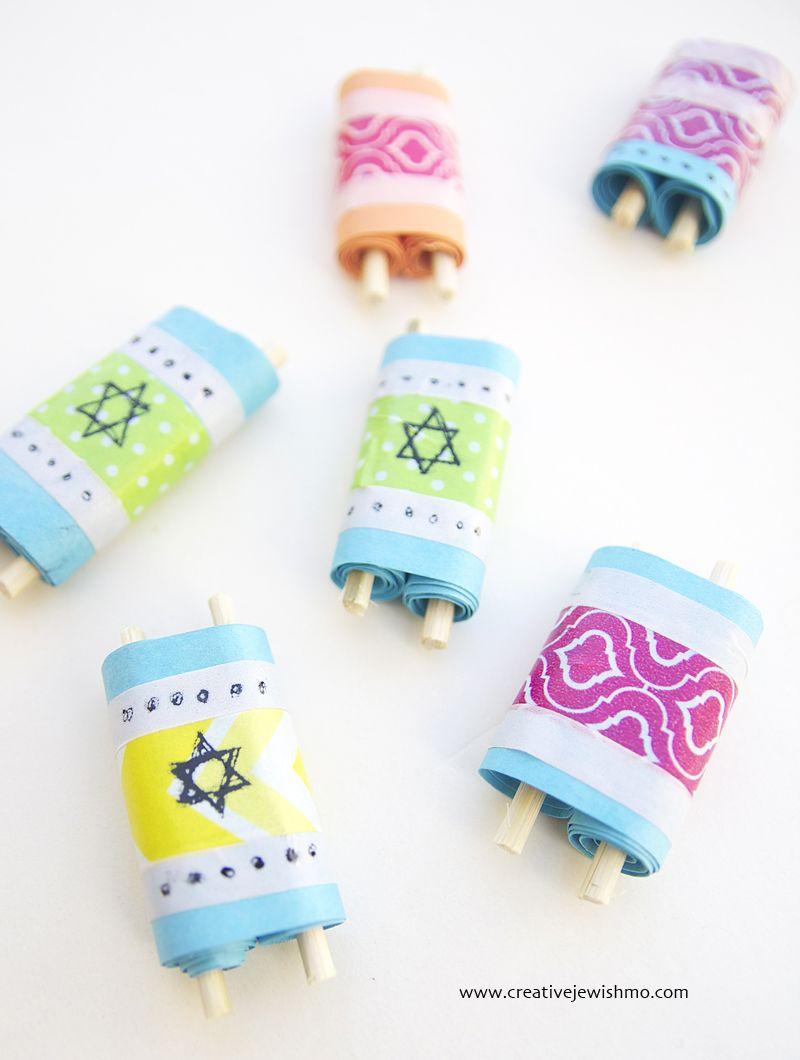 Mini Torah Scrolls Craft For Simchat Torah Fiestas Pinterest