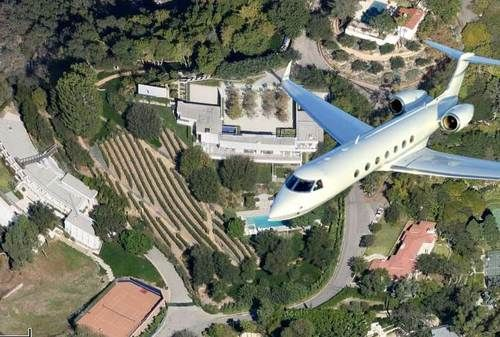 Is Jennifer Aniston Building A Private Plane Runway In Bel Air