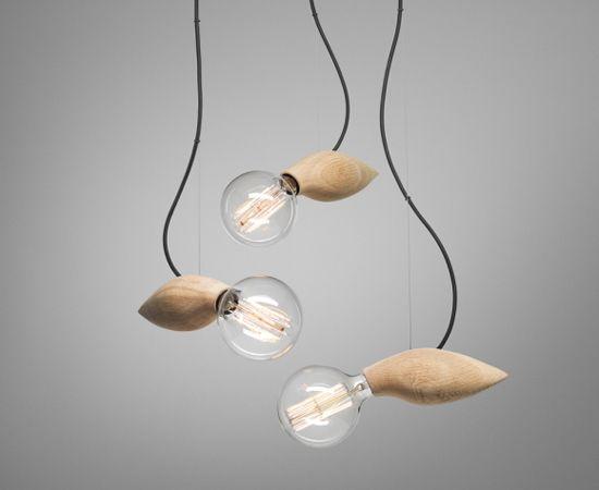 Combinación vidrio y madera Swarm Lamp.Jangir Maddadi Design Bureau.2013