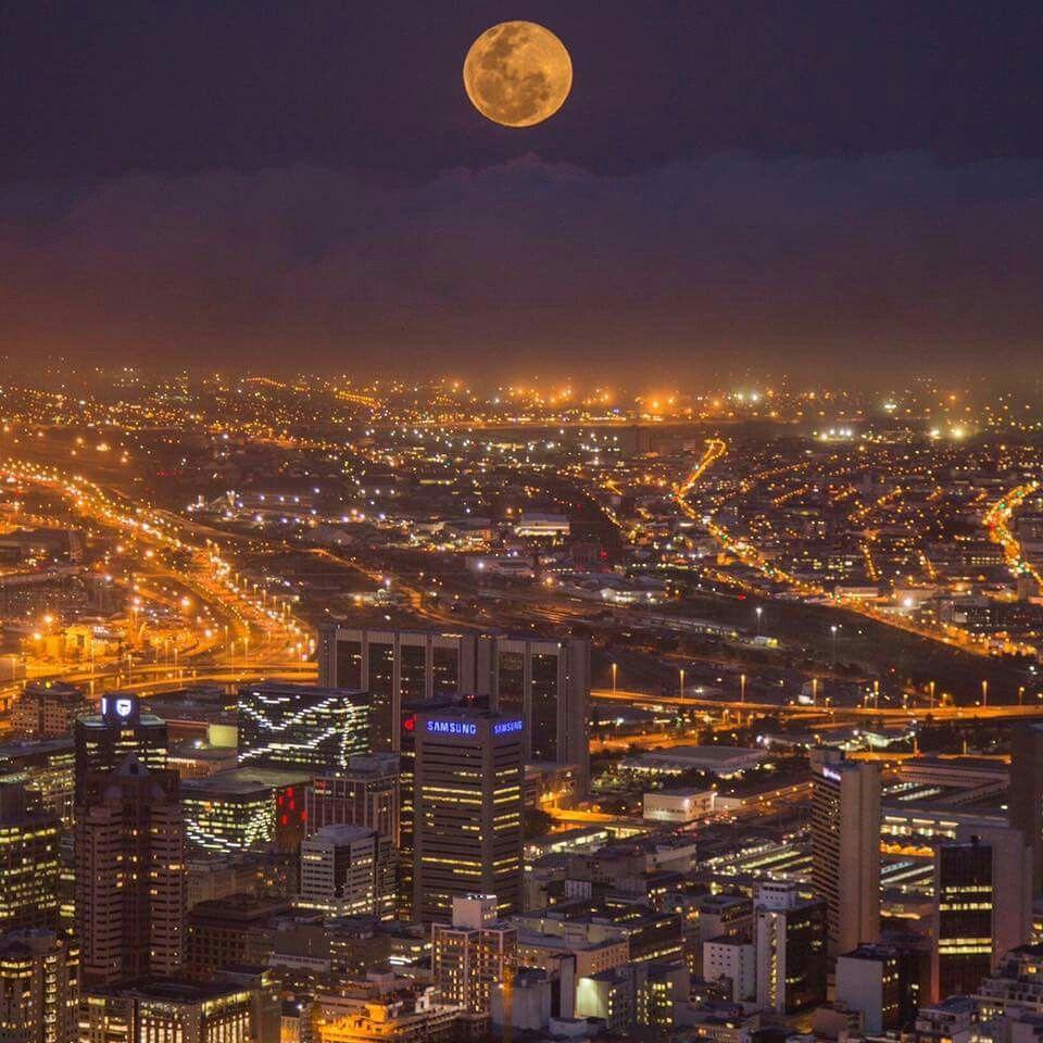 Der Mond ist aufgegangen....