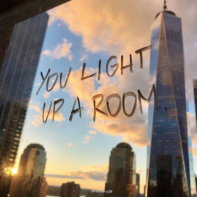 🔆 You light up a room. Don't let anyone tell you otherwise. ✨ Photo: @katiecruz.