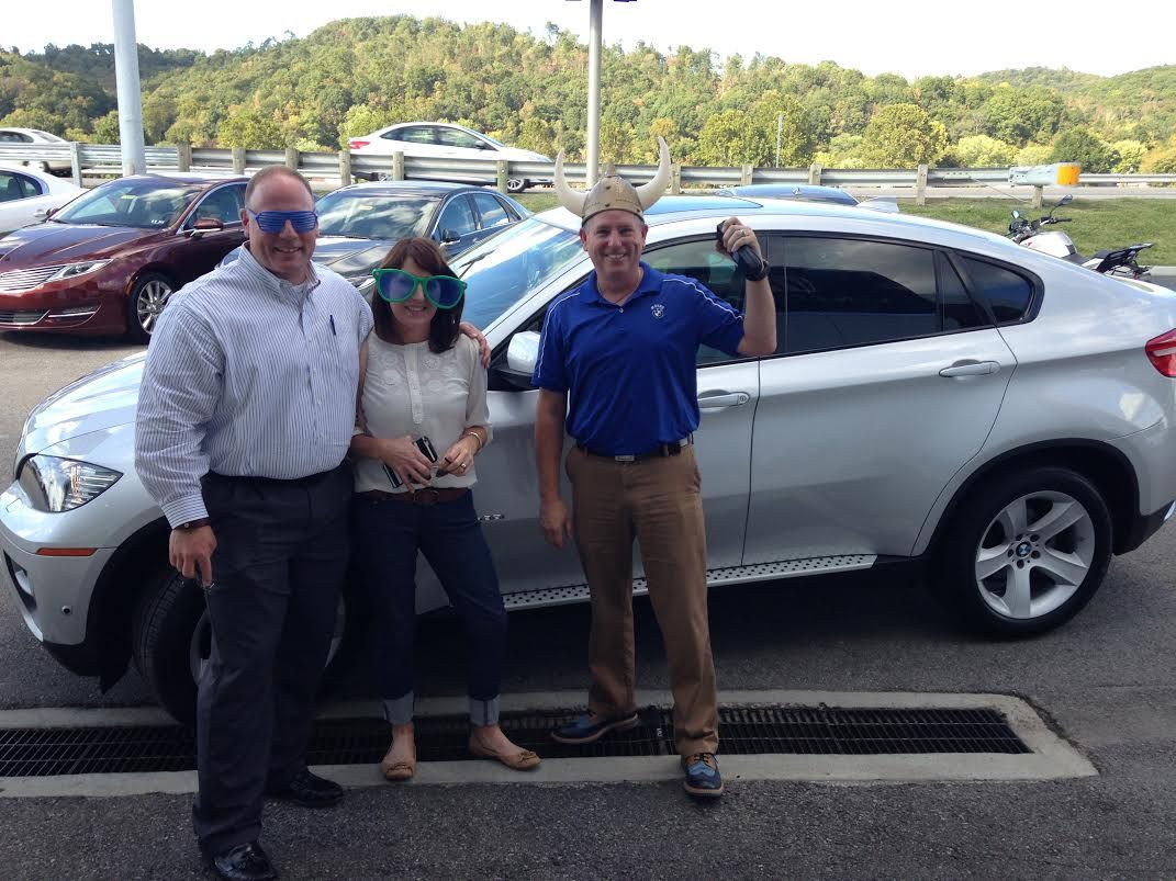 Congratulations Hedrick Family On Your New Bmw X6 Thanks To Andrew Hager The Horrible For Hooking Them Up With The Perfect One Bmw Dealership New Bmw Bmw