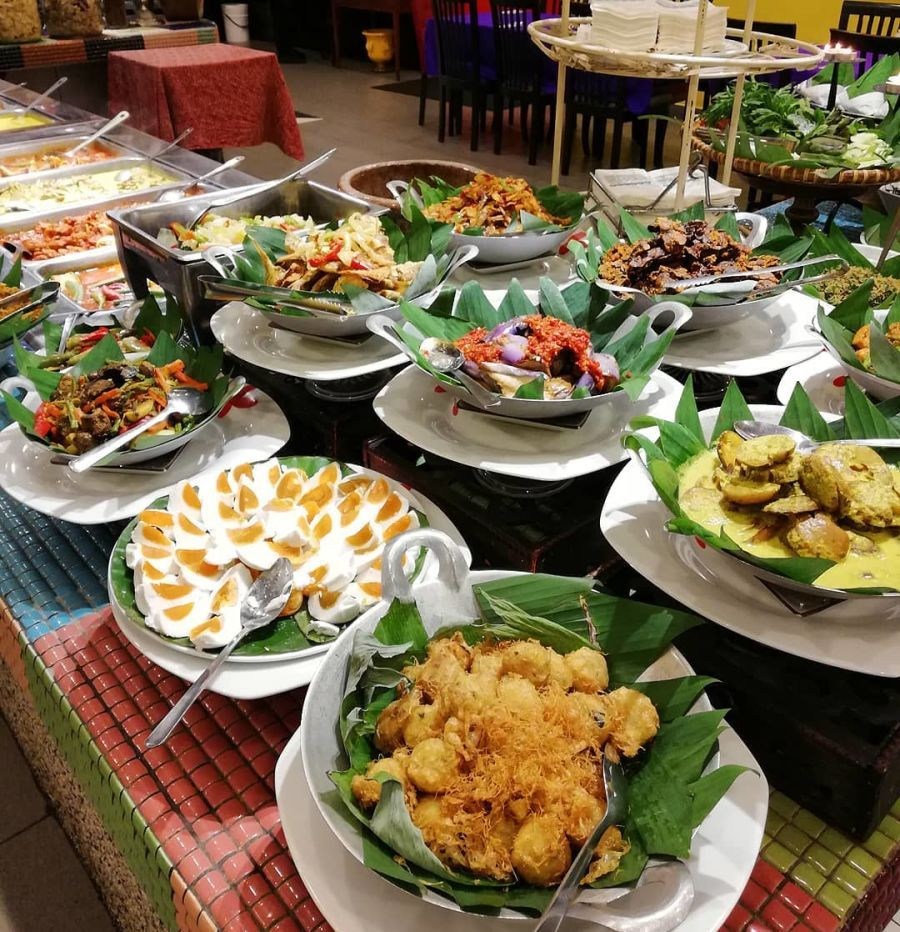 10 Best Halal Buffets Under Rm100 In Klang Valley Travel Guides For Muslim Travellers Have Halal Will Travel Halal Beautiful Food Best Buffet