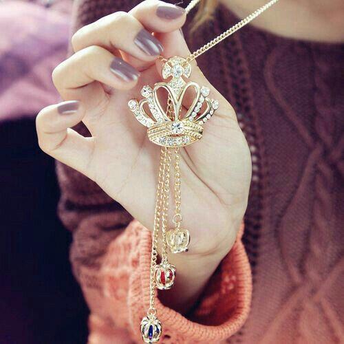 Pin by 👑MANISH👑 PARMAR on Dpzzzzzz | Stylish jewelry, Cute jewelry,  Rhinestone crown