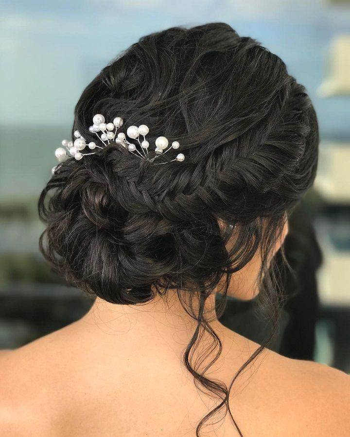 Soft braided updo bridal hairstyle #weddinghair #braidedupdo #updos #hairstyles #updowedding