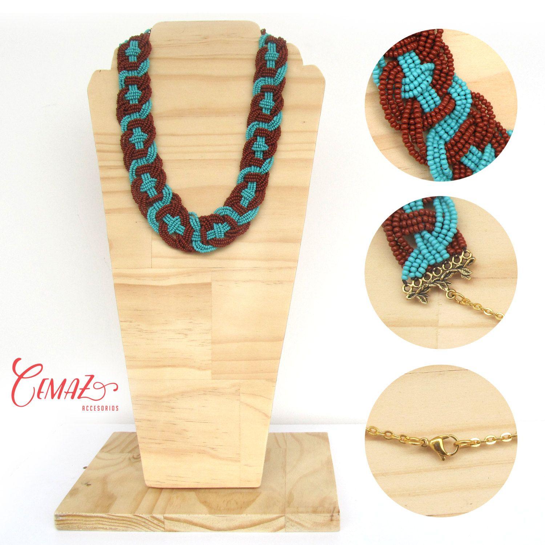 Somos Jair y Cecilia, y bienvenido a CEMAZ.  Este hermoso collar esta tejido a mano, con mostacillas checas de alta calidad, unidas con hilo termado