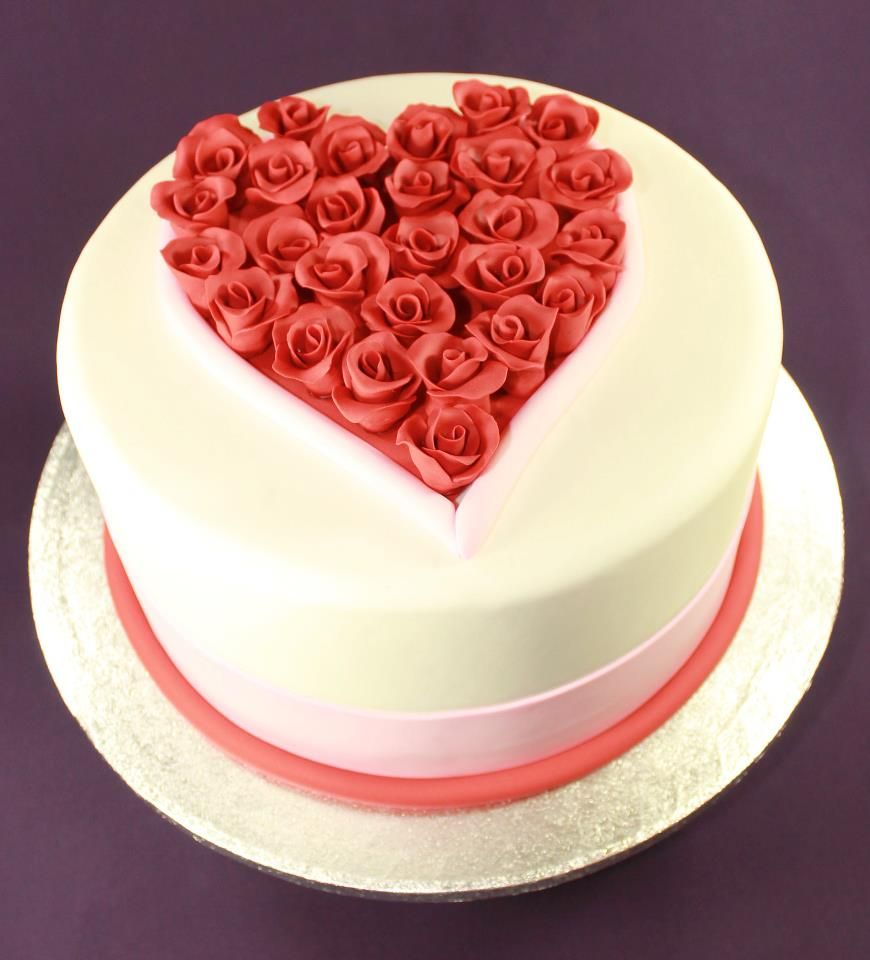 Valentine S Day Cake With Heart Full Of Roses With Images
