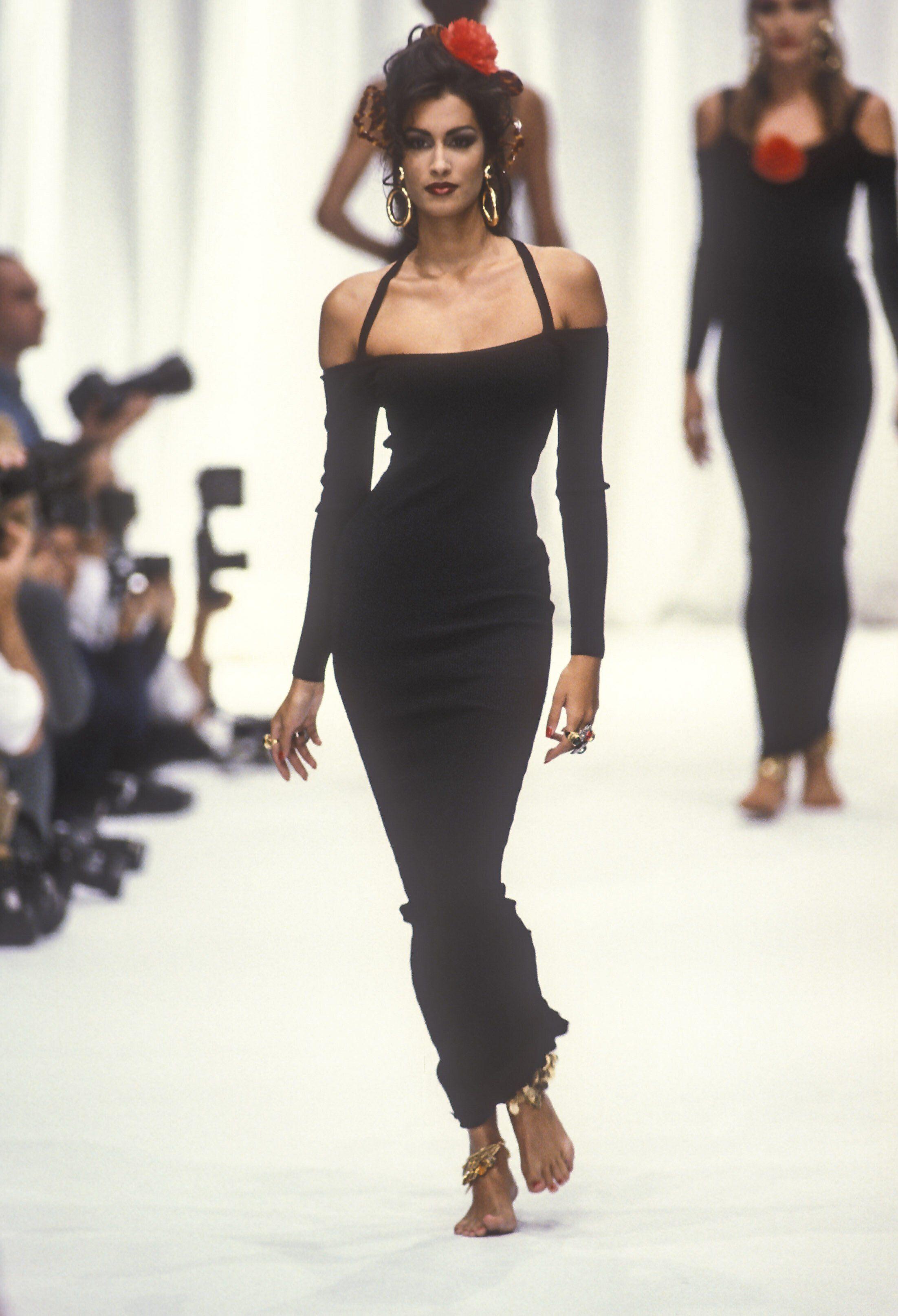 Yasmeen Ghauri - Complice Runway 1992 | Fashion, Couture fashion, 90s  runway fashion