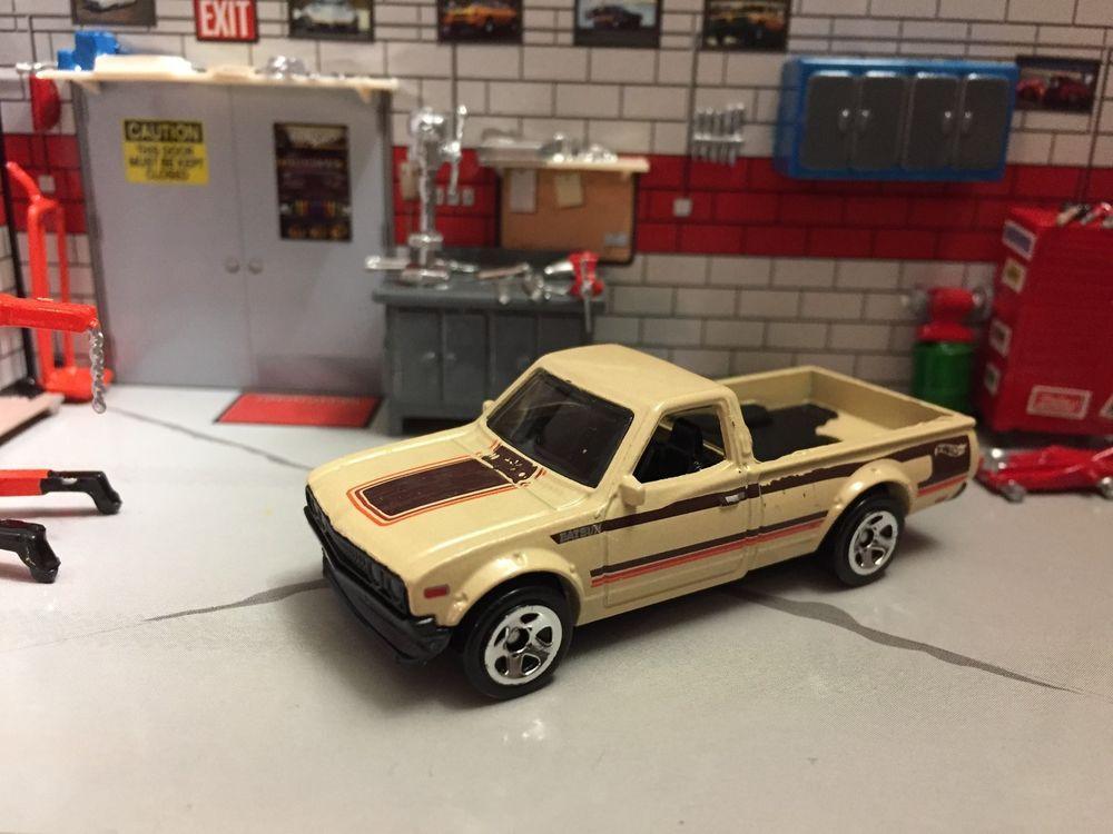 Loose 164 White Hot Wheels 2017 Datsun 620 Pickup Truck