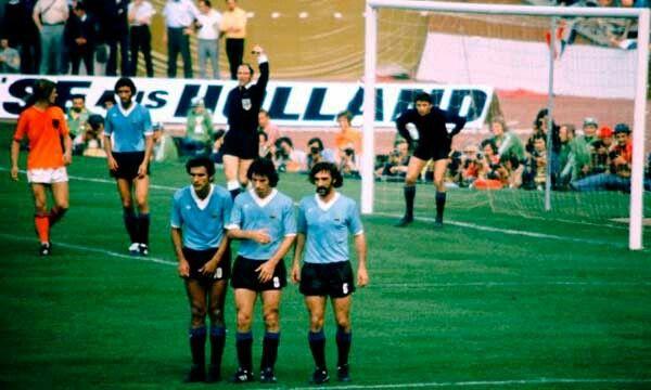 Rocha, Espárrago y Pavoni en la barrera Alemania 74
