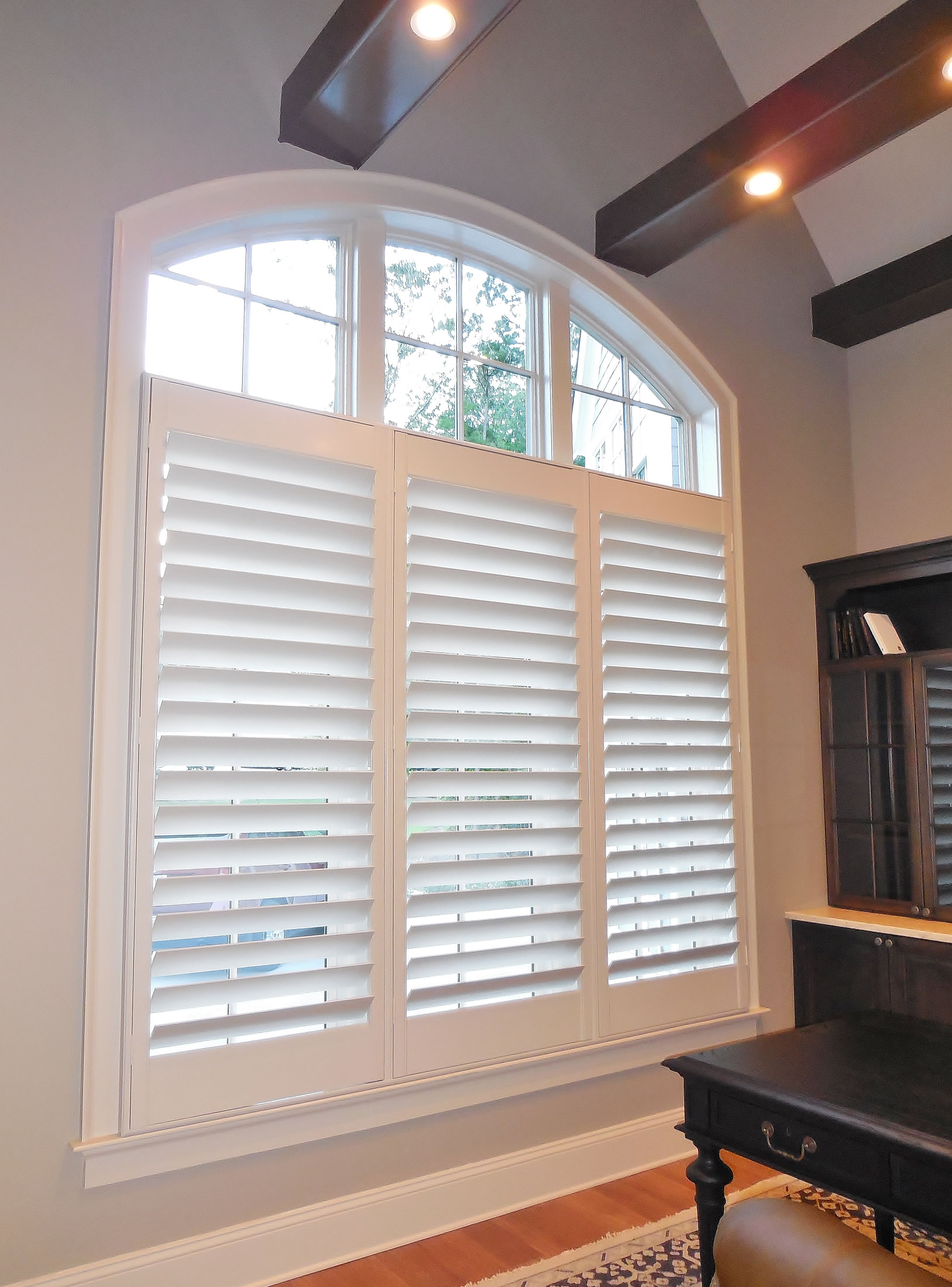 Shutters With 4 5 Louvers In A Large Arch Window Window
