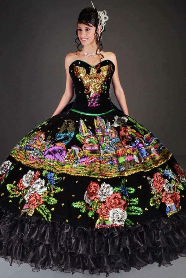 Vestido Para Fiesta De Xv Años Bordado Y Con Motivos