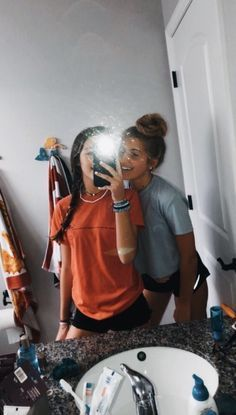 VSCO Girls Aesthetic Style Mirror Selfie Best Friends Besties Summer Stylish Casual Outfit Photo Pic