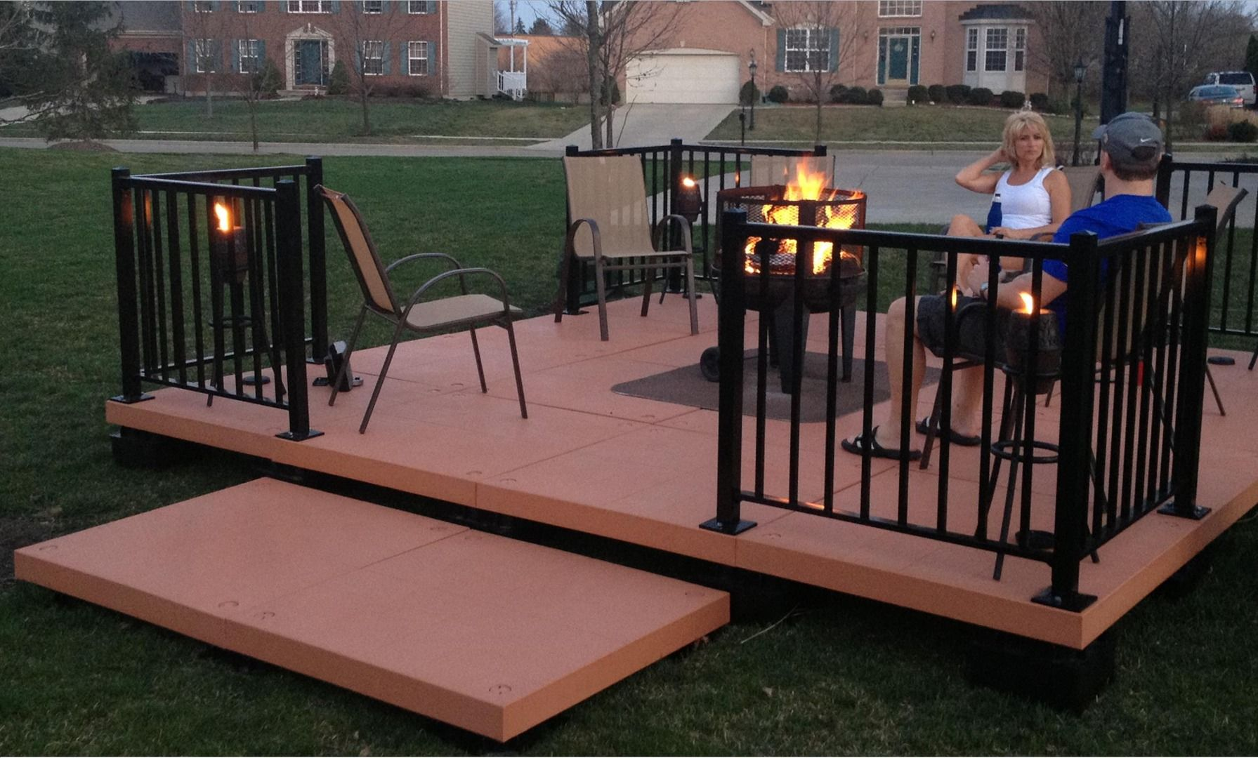 Portable Building A Deck : Udecx is a portable modular diy patio decking system