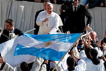 Papa advierte de una generación perdida por el desempleo  | ALTO NIVEL