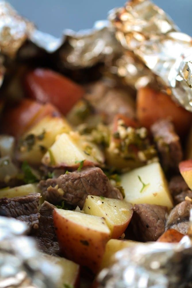 and potatoes with butter and garlic dinners - now Im hungry ...  - Best Foil Pack Recipes -Steaks