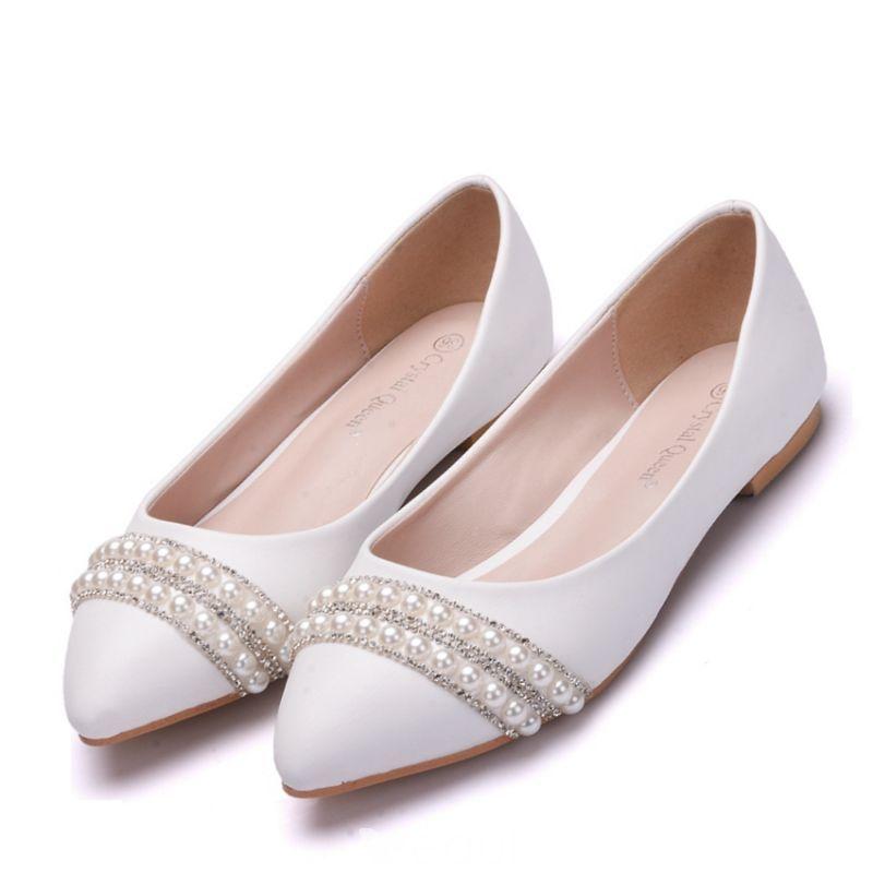 Chic beautiful white pearl rhinestone pointed toe flat
