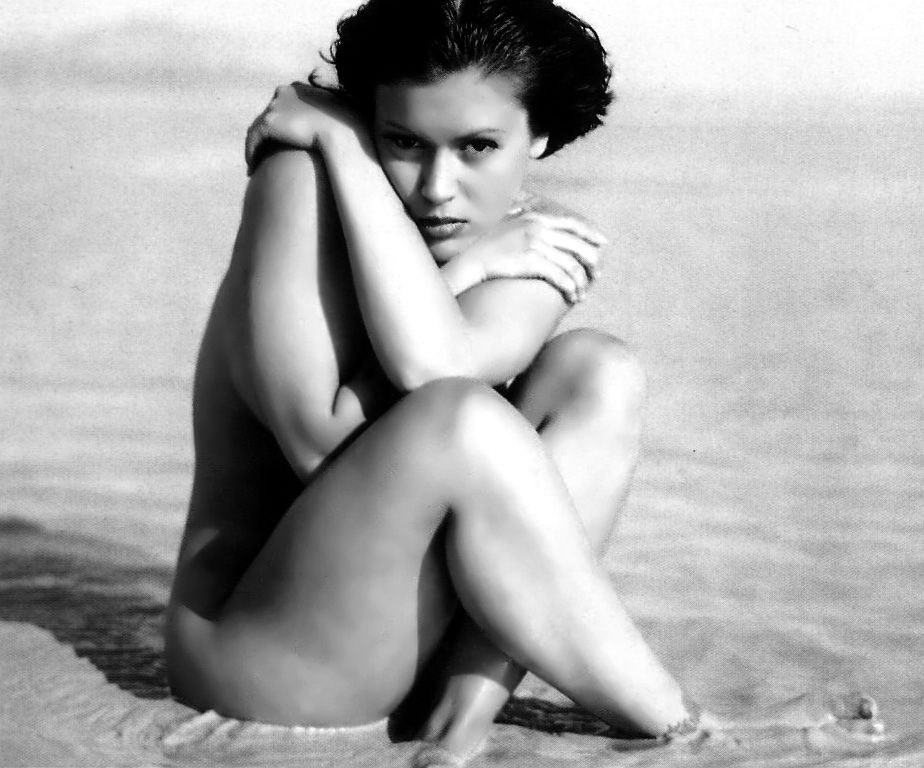 Nude at milano the beach Alyssa