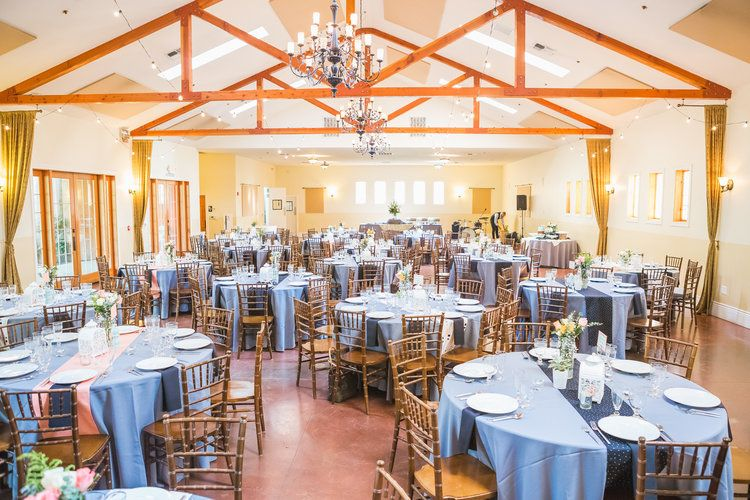 Round Table Loomis.G B At The Flower Farm Inn Loomis Ca Penny Co Real Weddings