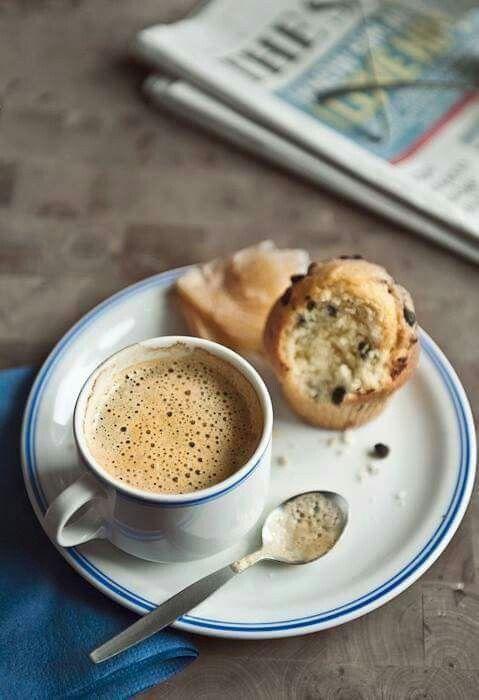 Panino al cioccolato e caffè. ..