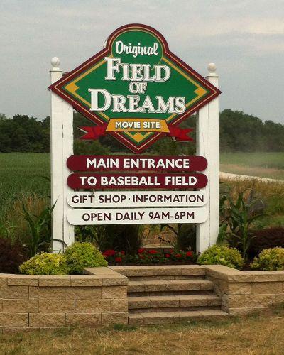 Dyersville Iowa The Movie Field Of Dreams Was Based On The Book Shoeless Joe By Kinsella Visit The Original Movie Site Field Of Dreams Movie Sites Field