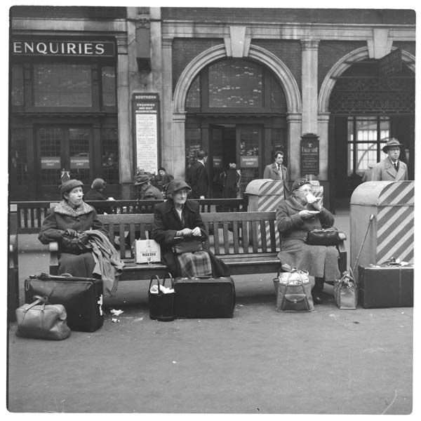 Ladies waiting at Victoria Station, 1955