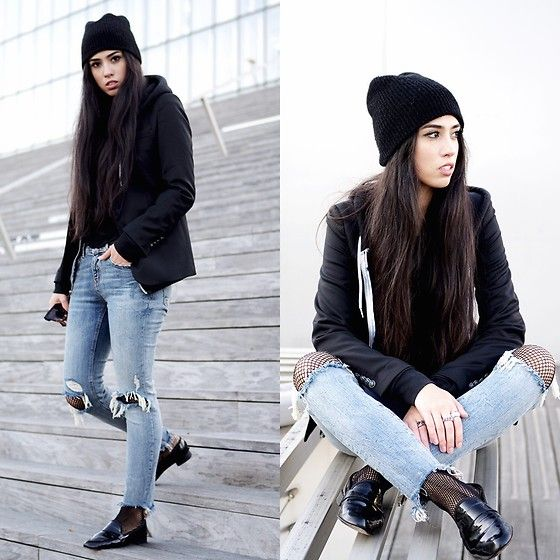 More looks by Elizabeth: http://lb.nu/thedeetsone  #casual #minimal #ootd #outfit #denim #streetstyle #paris