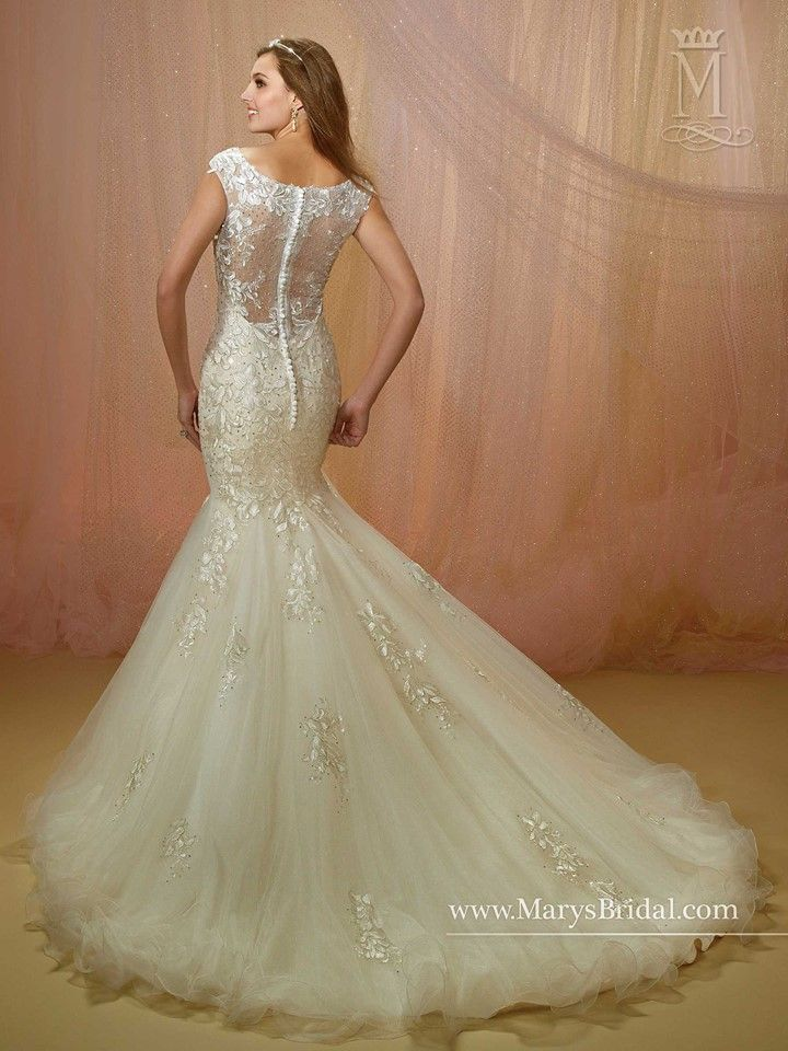 6ef63e27 In store- Mary's Bridal, Bridal N More, Garden City KS   In store ...