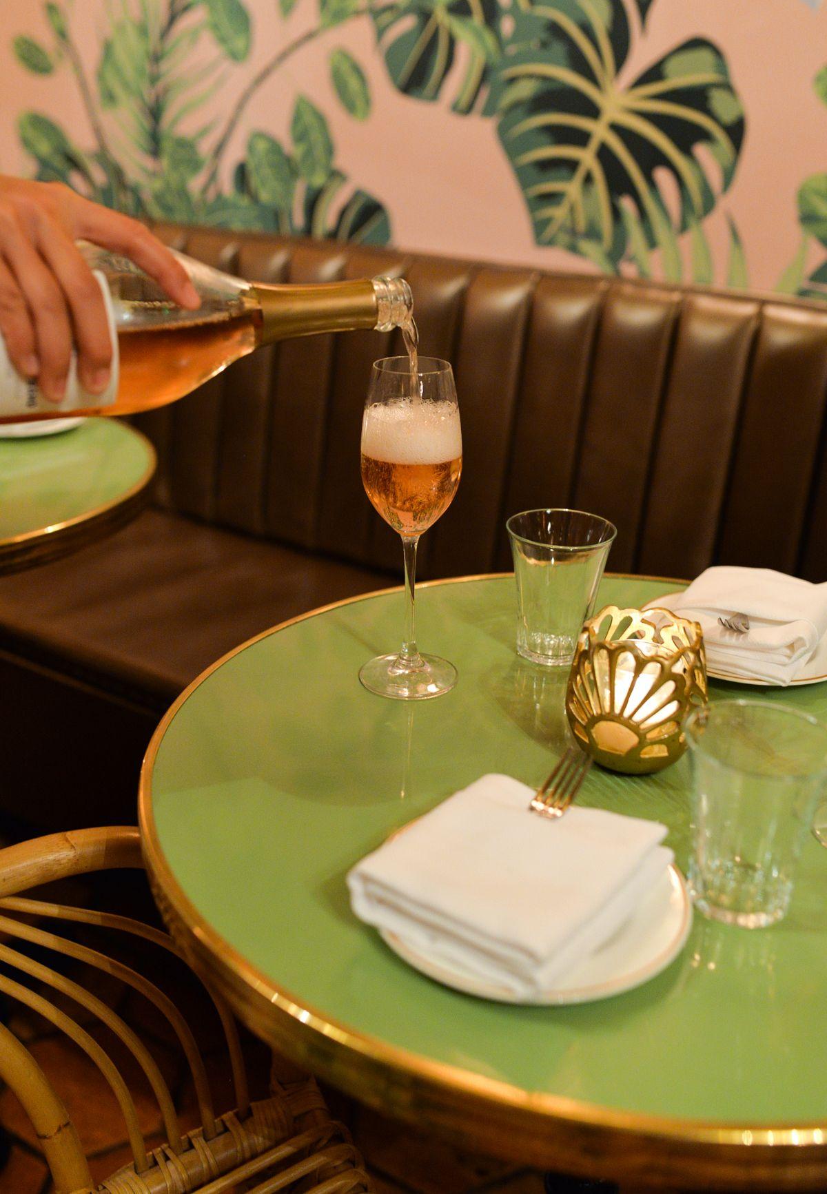 Leos Oyster Bar -8 | RESTAURANTS & BARS | Pinterest | Oyster bar ...