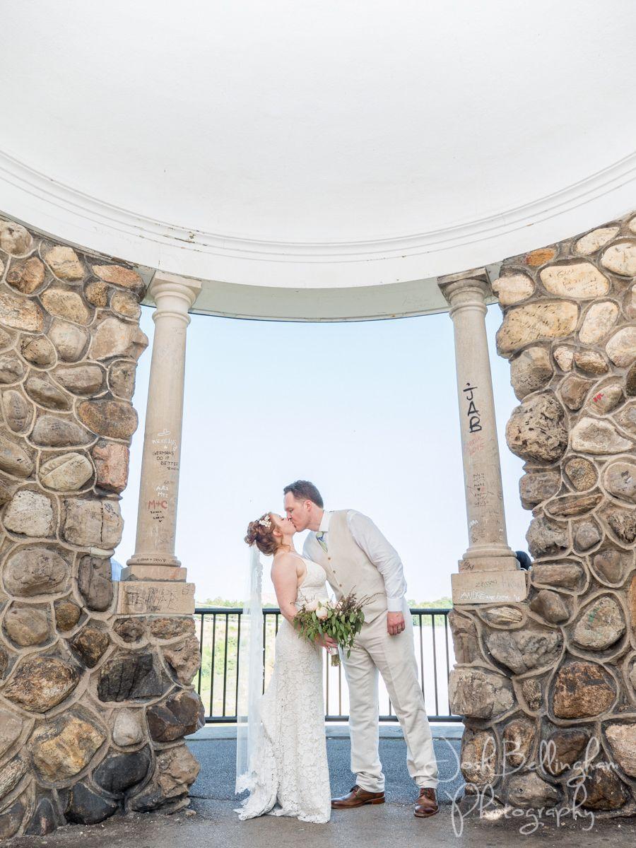 Romantic Wedding Ceremonies At Rambler S Rest Overlooking Niagara Falls Rustic Wedding Ven Niagara Wedding Outdoor Wedding Venues Niagara Wedding Photographer