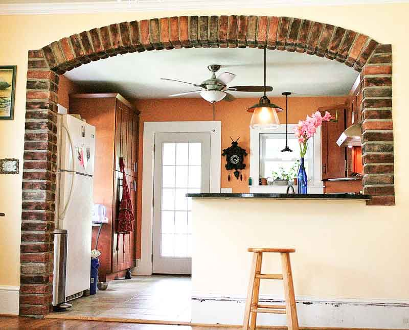 Brick Gives Mediterranean Flair To Arched Kitchen | The Rock Pirate
